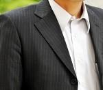 スーツの虫食い応急処置と修理方法。次は防止するべし!